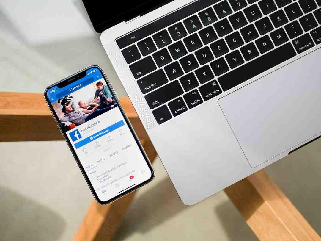 Comment quitter le mode plein écran sur Facebook ?